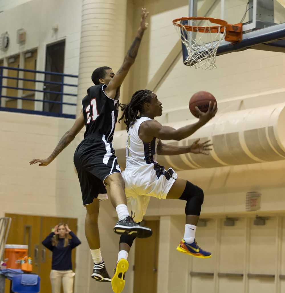 Shepherd Men's Basketball Opens Season