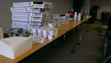 Pizza was provided for students and faculty who attended the event.