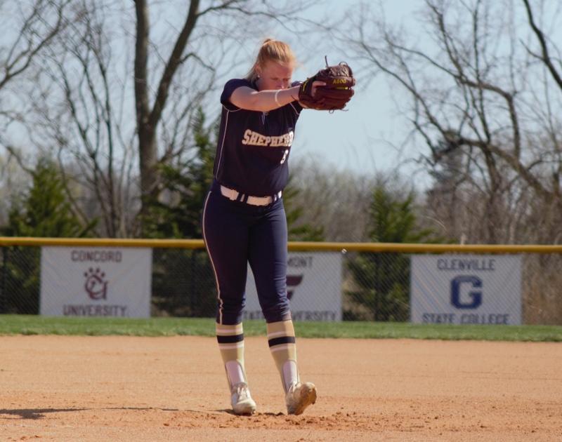 West Virginia Wesleyan Sweeps Shepherd Softball Supicket