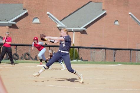 Kaitlin Munda pitching against Wheeling Jesuit.