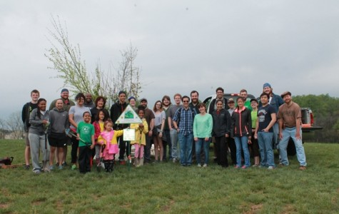 Tri Beta and SEO Team Up for Tree Planting