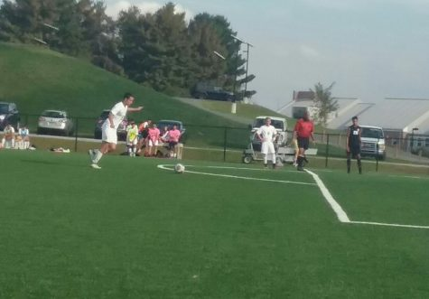 Jeff Kammerer of the Rams takes a free kick.
