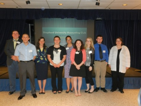 Students who attended the accounting club's annual Alumni Dinner on April 21.